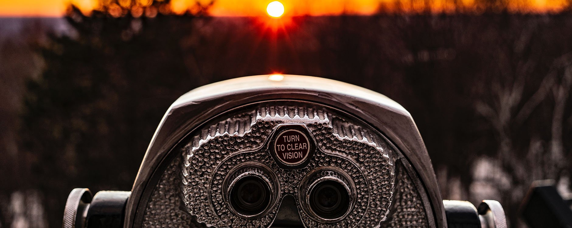 Viewfinder with sunset - Banner